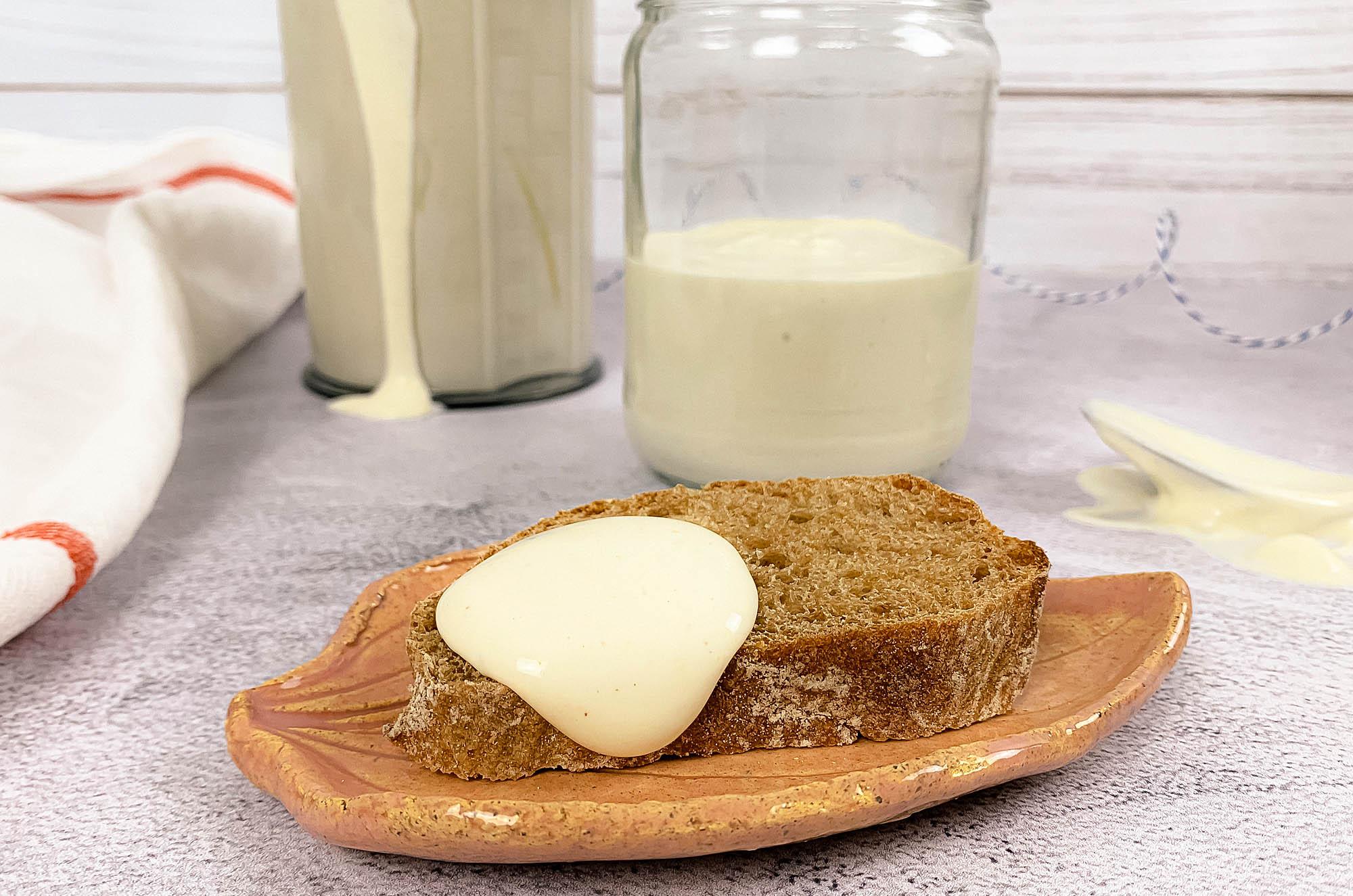 Aquafaba - przepis na wegański majonez | greenmenu.pl