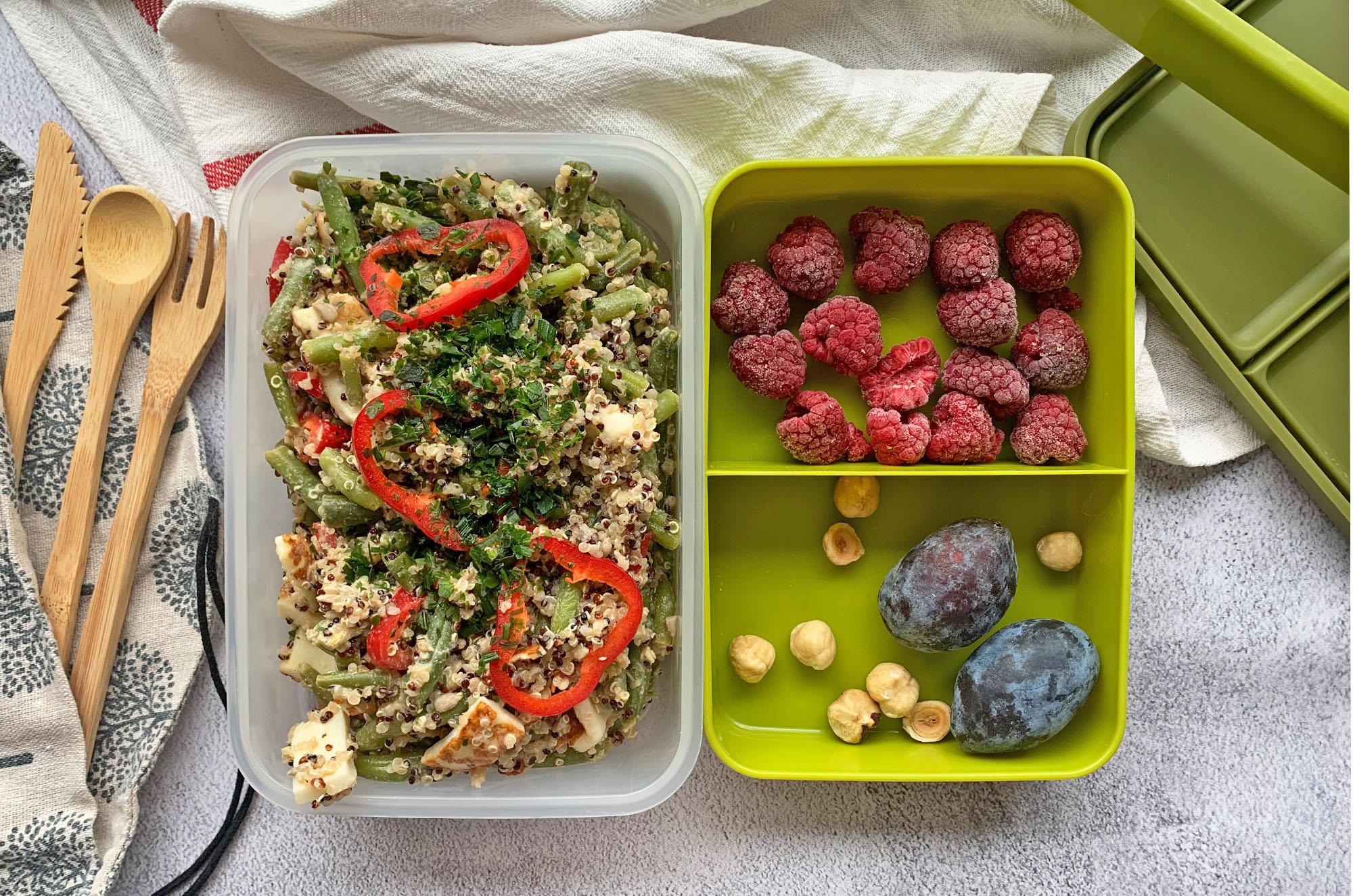 Pomysł na lunchbox z komosą ryżową i fasolką | greenmenu.pl