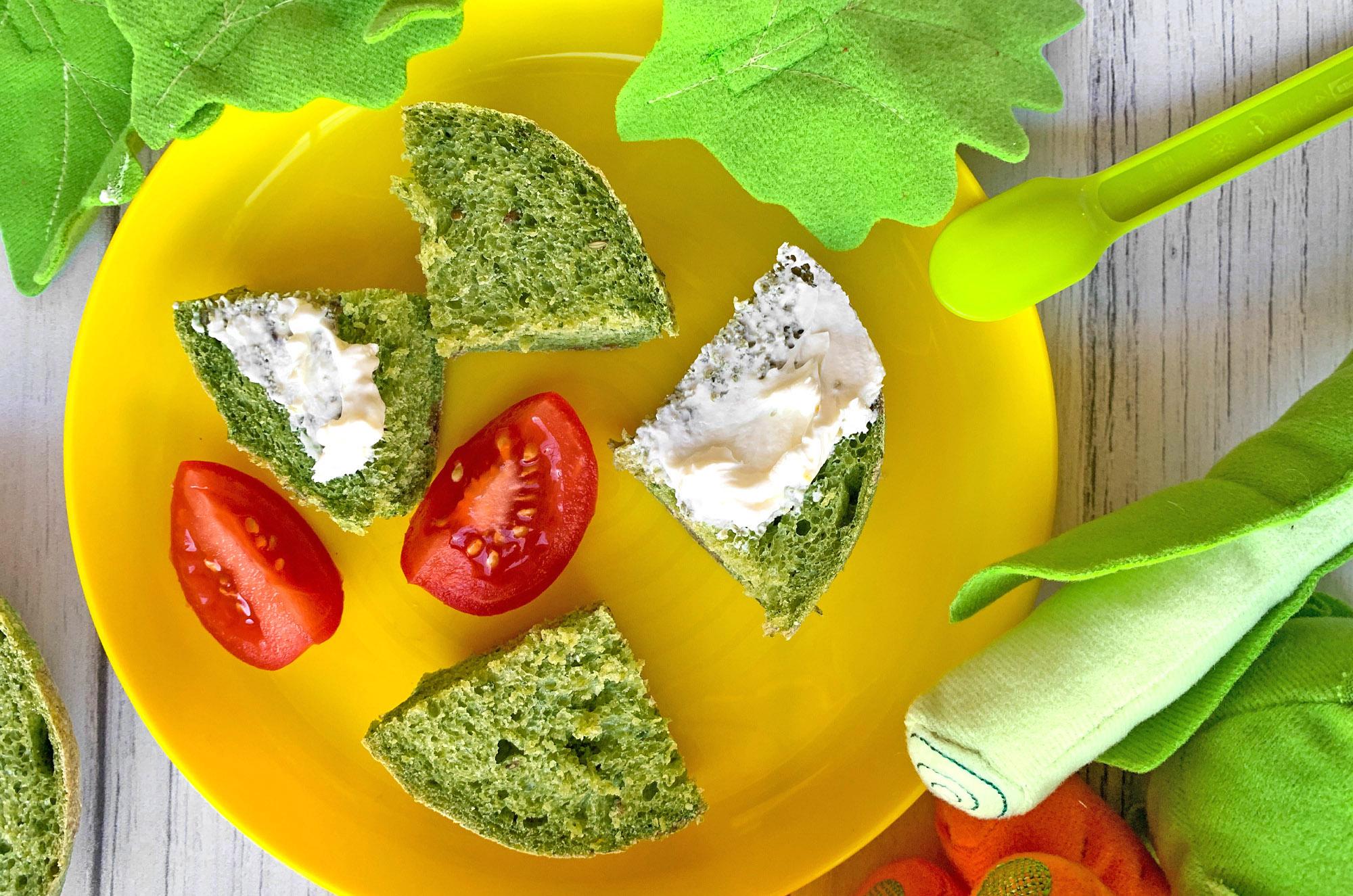 Przepis BLW - zielone bułki ze szpinakiem | greenmenu.pl