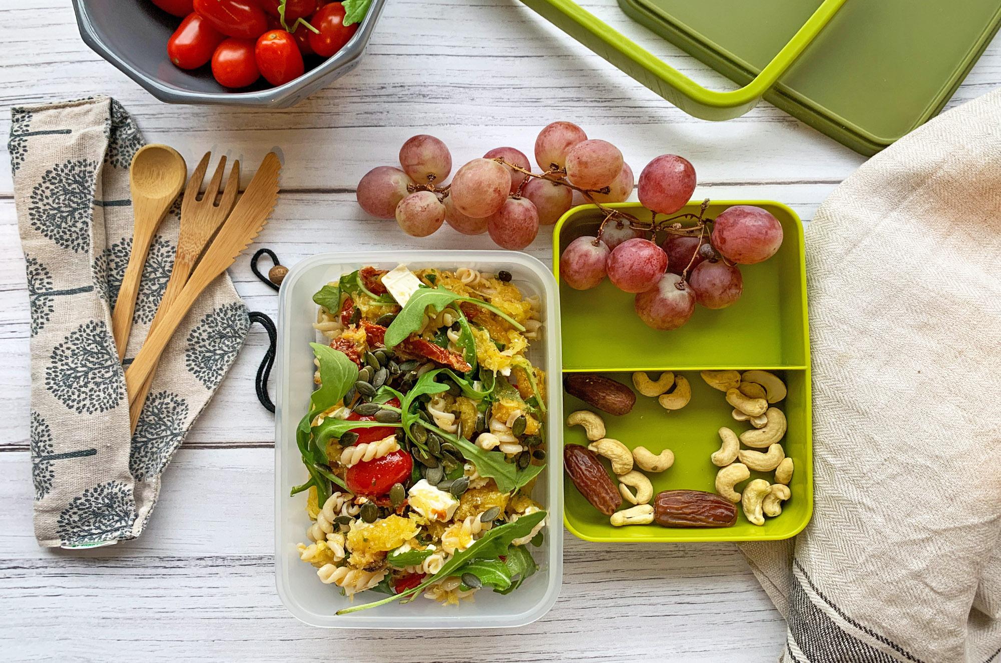 Przepis na sałatkę z dynią - do lunchboxa | greenmenu.pl